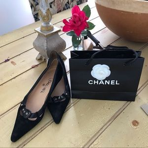 CHANEL Black Velvet Kitten Pumps